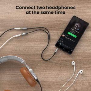 UGREEN Headphone Splitter, 3.5mm AUX to 2 Female Headphones